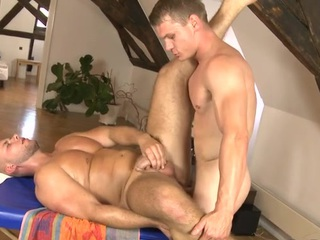 Thrilling knob engulfing and wild tugjob for hawt gay slab