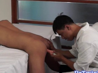 Asian contaminate goes down on an ethnic twink