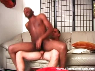Black ass sits on lacklustre cock and it looks hot