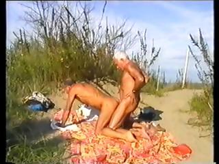 Horny gay silver foxes sham with as a last resort others blarney at the beach