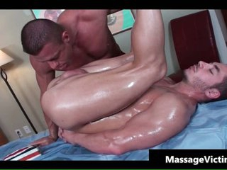 Hot bodied baffle gets oiled for gay massage