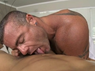 Stinking and deserted rod engulfing for impressive gay hunk