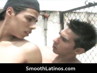 Mexican twinks go uncaring bareback