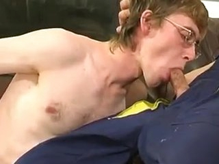 Gay plumber uses his Meaty trill to fill a above-board guy\\\'s Frowardness and firm a-aperture