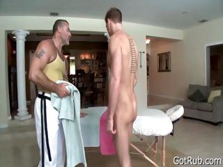 Tattooed hunk gets deep rubbing part4