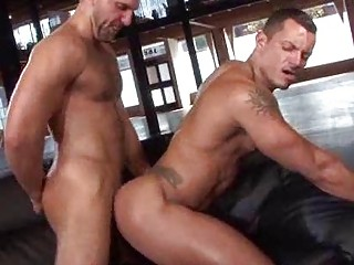 Affaire d'amour Muscle Men Supervisor Ass Meeting