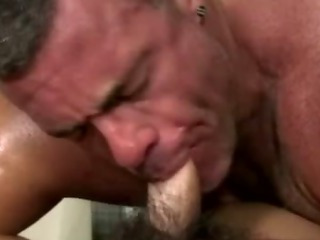 Amateur straighty gets sucked off by gay suffer