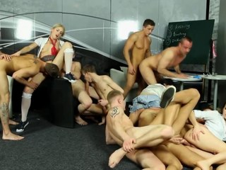 Bi set up sluts get licked and fucked by gay dudes